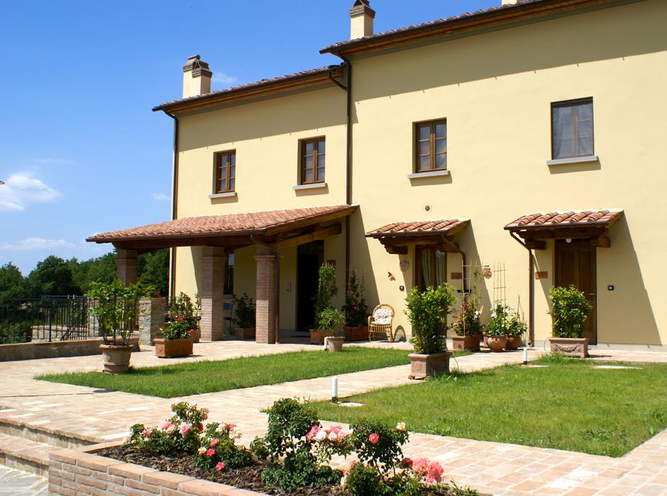Ejendommen ligger ved Larciano Alto i hjertet af Toscana i en re